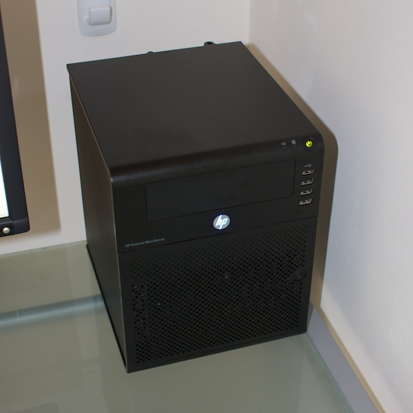 Oblique view of HP MicroServer
